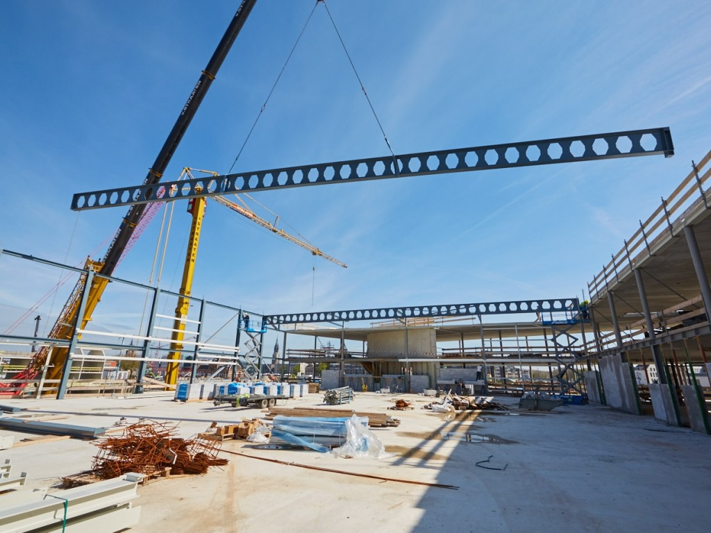 Foto van de werkzaamheden aan het Delftland college
