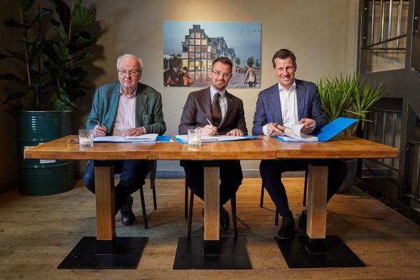 Foto van het ondertekenen van de kavelovereenkomst van House of Delft