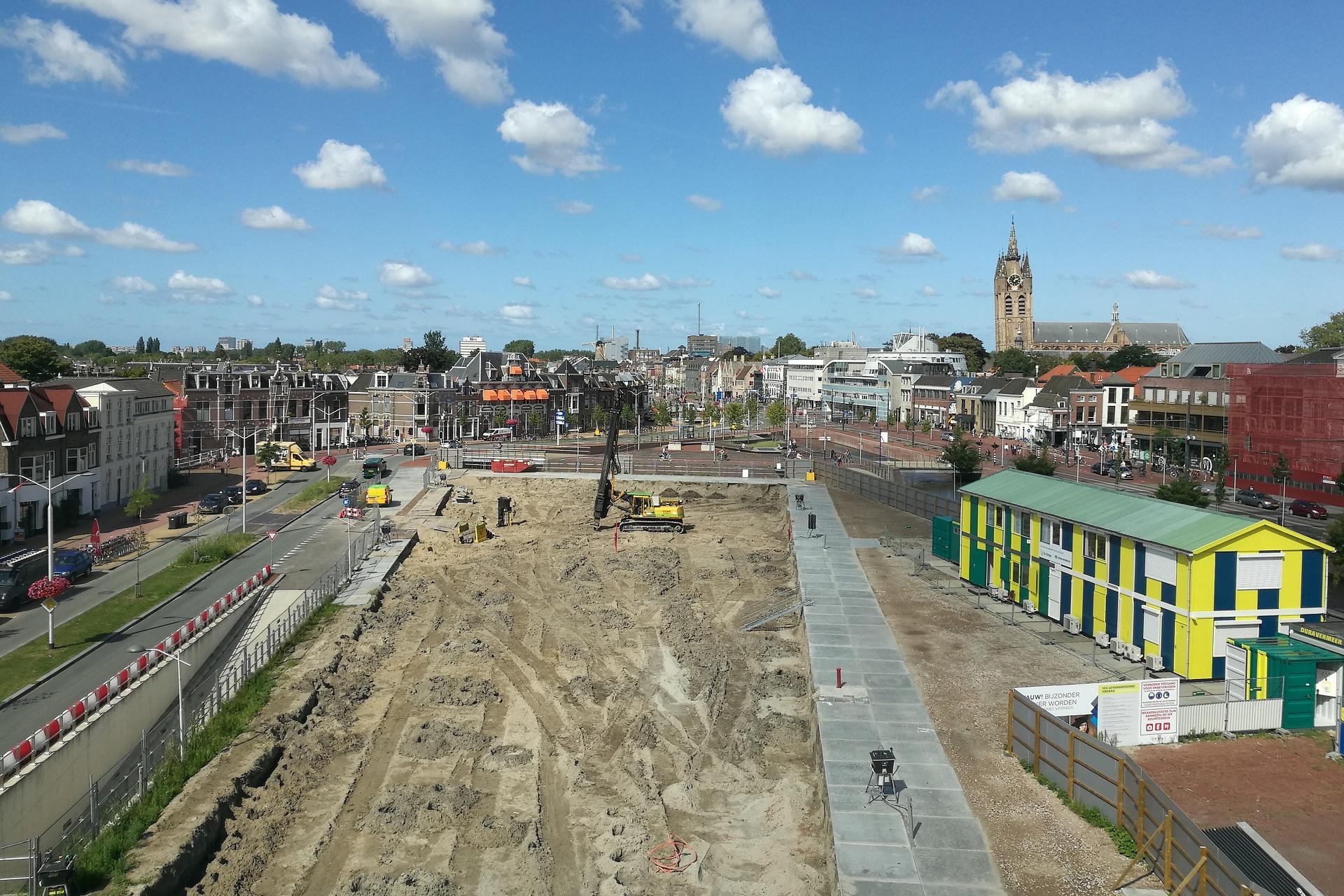 Foto van het gebied waar het huis van Delft gebouwd gaat worden.