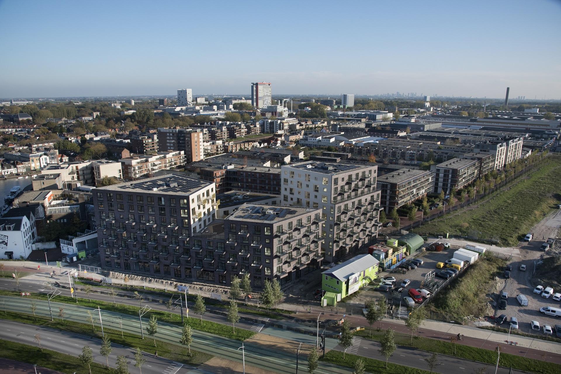 Luchtfoto van gebouw VOLT in Nieuw Delft